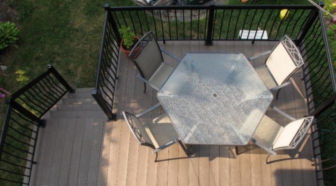 Terrasse en planches de plastique recyclé Cascades Perma-Deck Avantage+: pour écolos,  paresseux, ou les deux !!!