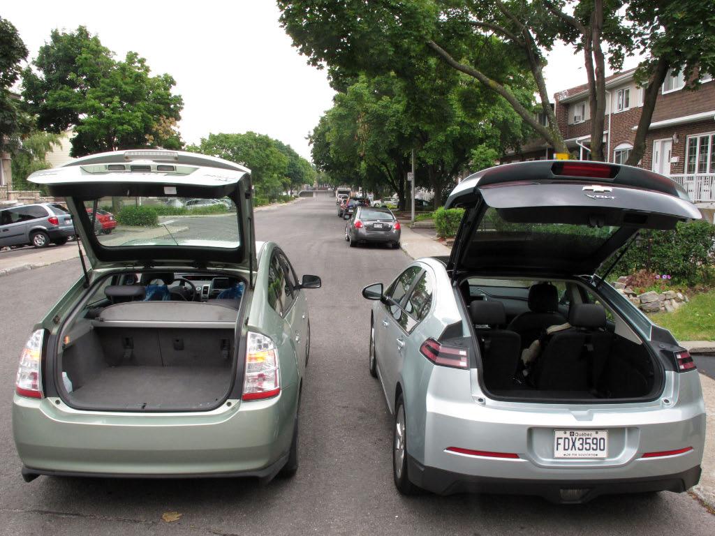 Comparatif volume coffre Prius 2007 et Chevrolet Volt 2012