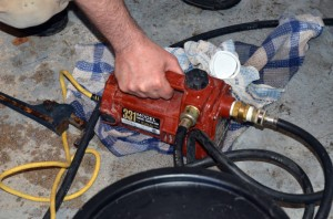 Pompe pour charger le propylène glycol dans un système de chauffe-eau solaire