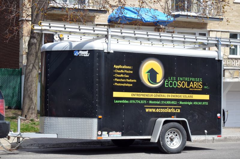 Remorque de la compagnie Ecosolaris - installation système solaire