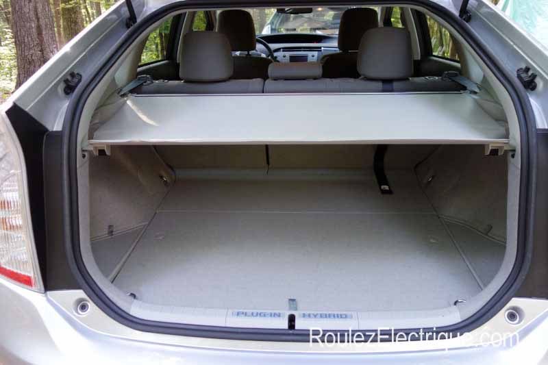 essai de la toyota prius branchable 2013 un compromis d une efficacit fort redoutable roulez. Black Bedroom Furniture Sets. Home Design Ideas