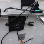 Micro-onduleur Enphase M215 arrière panneau solaire