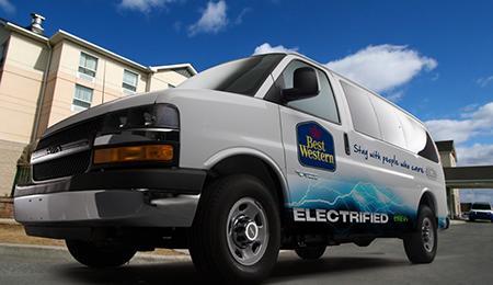 Fourgonnettes électrique VIA Motors - navette hôtels Best Western