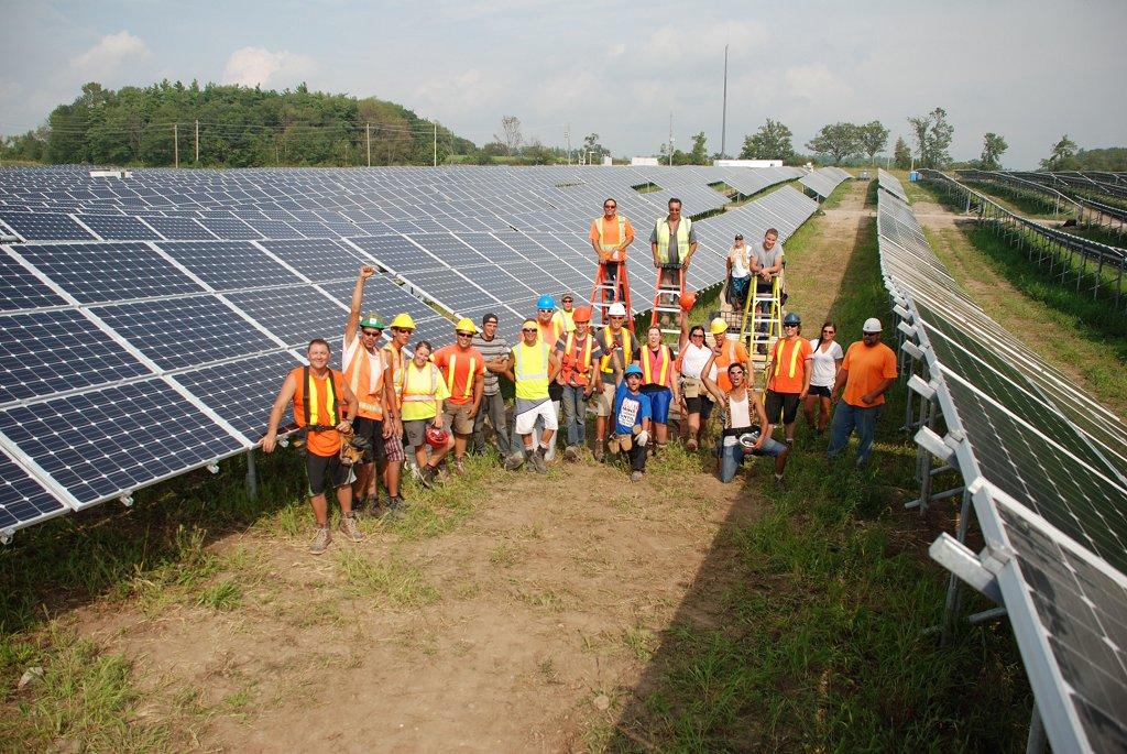 Installation panneaux solaires photovoltaiques centrale solaire Alderville Ontario