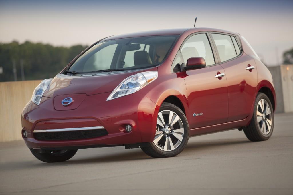 voiture électrique Nissan LEAF 2015