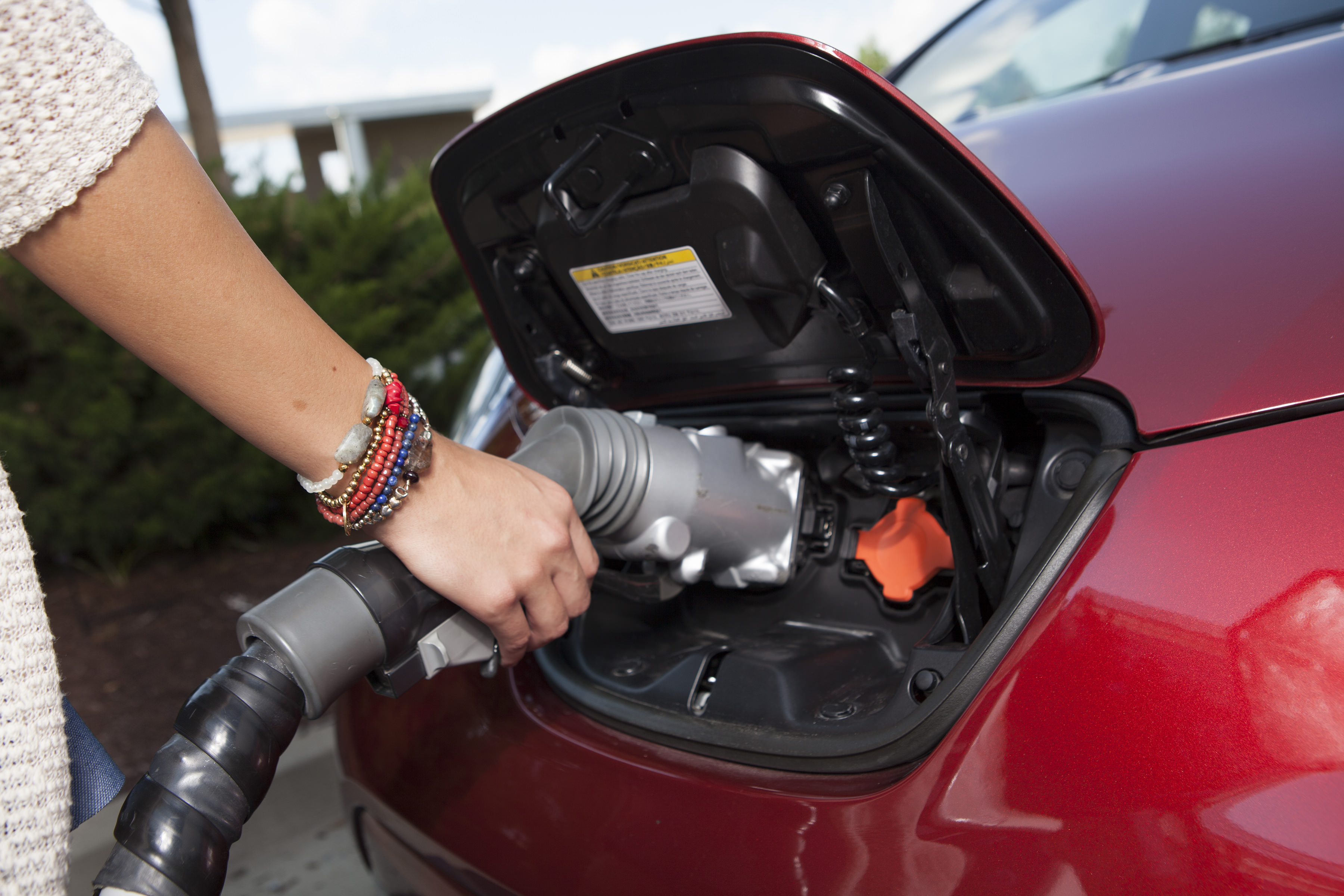 Partenariat entre Nissan et Hydro-Québec pour accroître le réseau de recharge public des véhicules électriques au Québec