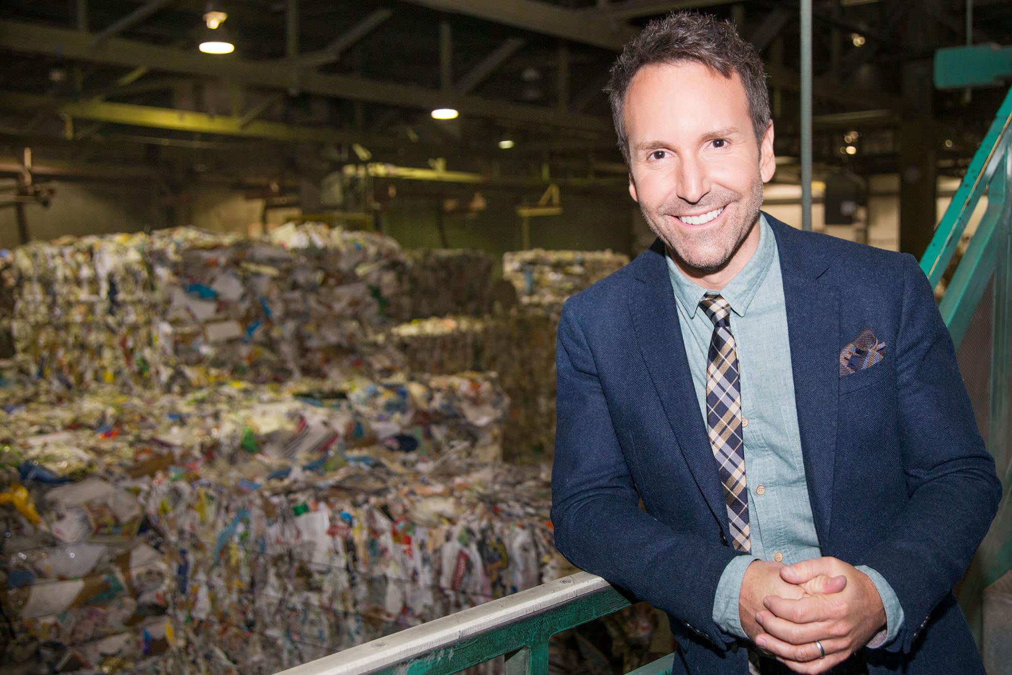 Éric Salvail devient le premier porte-parole de Éco Entreprises Québec à l'occasion du 10e anniversaire de l'organisme