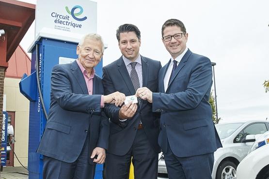 Dix nouvelles bornes de recharge rapide pour voitures électriques chez St-Hubert