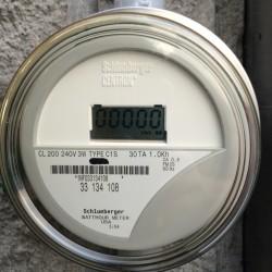 Wattmètre numérique ITron lors de la mise en marche de la borne de recharge