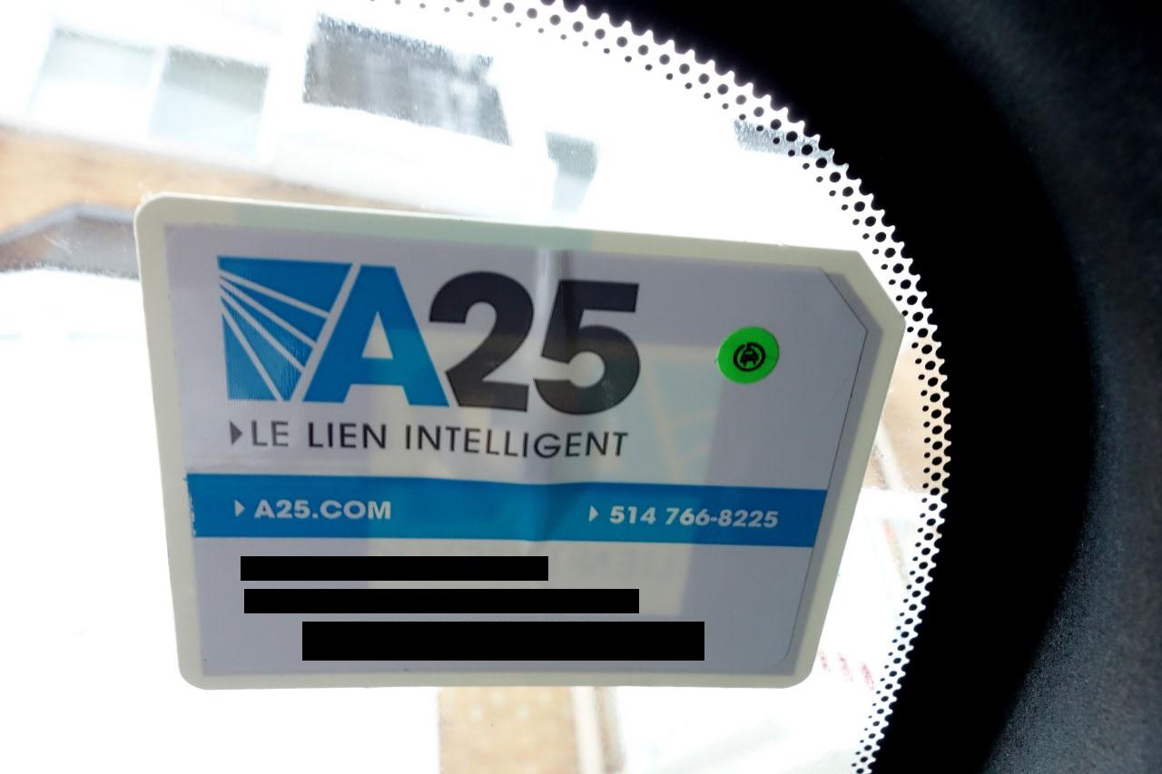 Le transpondeur qu permet d'emprunter le pont de l'autoroute 25 gratuitement pour les propriétaires de voitures élecriques