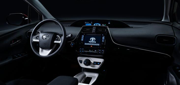 2016_Toyota_Prius_006-tableau-de-bord