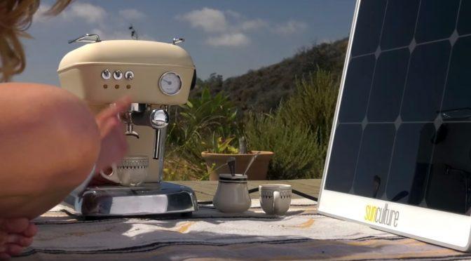 Solpad - panneau solaire alimentant une machine à espresso