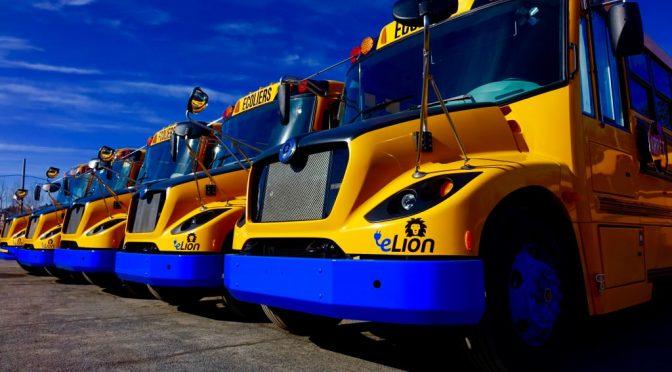 Québec appuie le développement de quatre véhicules lourds 100 % électriques