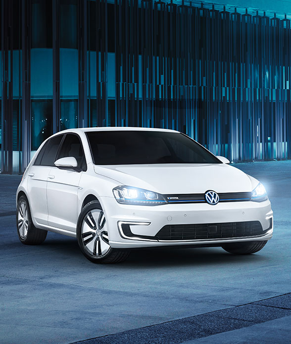 volkswagen-electric-cars-e-golf-handraiser3