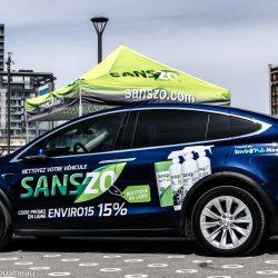La Tesla X aux couleurs des produits nettoyants pour véhicules Sanszo