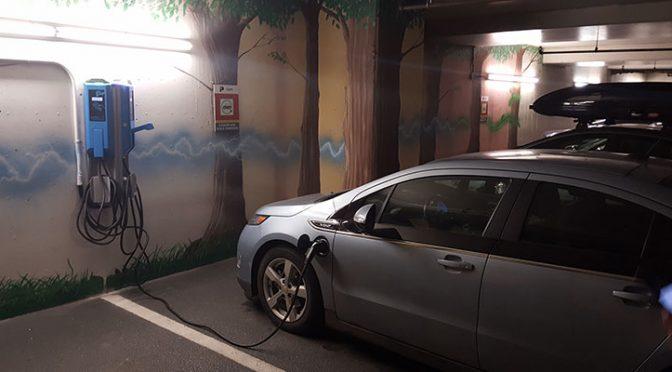 Des bornes de recharge rapides dans plusieurs centres commerciaux de Cadillac Fairview