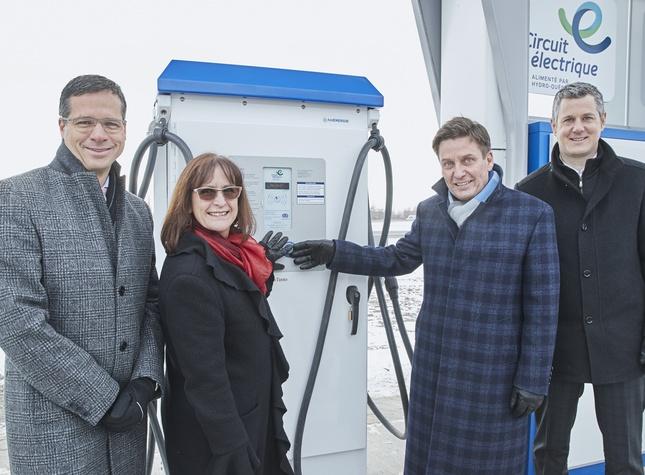 Inauguration station bornes de recharge voitures electriques Beloeil