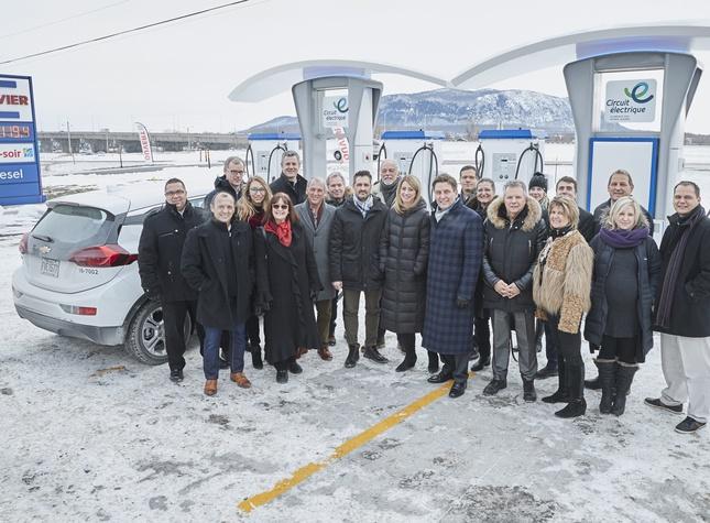 Inauguration super station de recharge à Beloeil - groupe Crevier