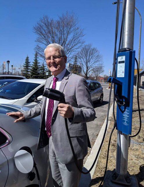 Marc Garneau - subvention borne de recharge voiture electrique