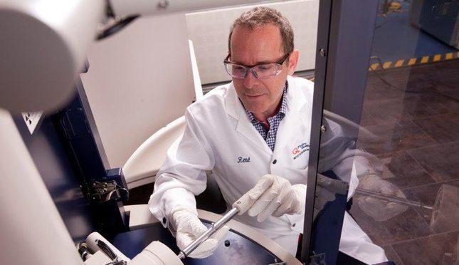 Hydro-Québec et Mercedes-Benz s'associent pour le développement de technologies de batterie à électrolyte solide